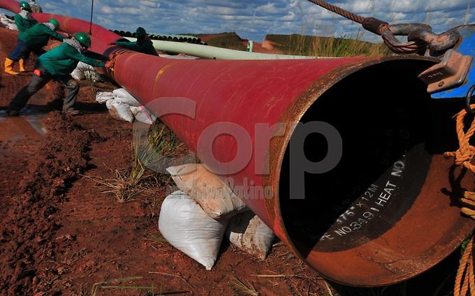 Construccion de oleoducto o linea de flujo en el perimetro del CPF2.Modificacion Licencia Ambiental Campo Rubiales.Puerto Gaitan, Meta, Colombia.15/06/2012.03:09:30 p.m..N3¡47.349'.W71¡25.945'..Copyright Archivolatino Corp