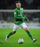 FUSSBALL   1. BUNDESLIGA   SAISON 2011/2012   23. SPIELTAG SV Werder Bremen - 1. FC Nuernberg                   25.02.2012 Tom Trybull (SV Werder Bremen) Einzelaktion am Ball