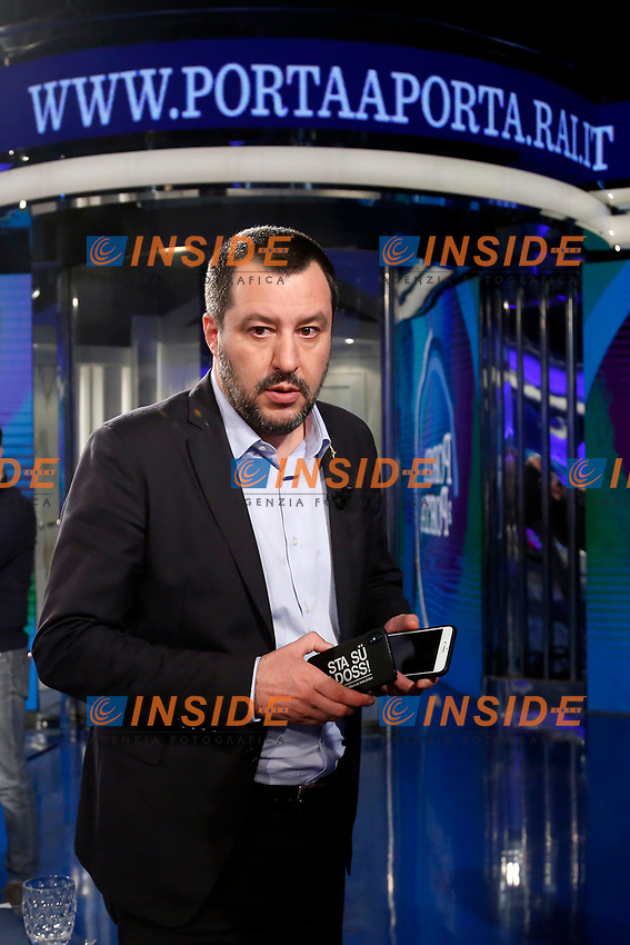 Matteo Salvini holding two mobile phones<br /> Rome January 10th 2019. The Italian Minister of Internal Affairs appears as a guest on the tv show Porta a Porta<br /> Foto Samantha Zucchi Insidefoto