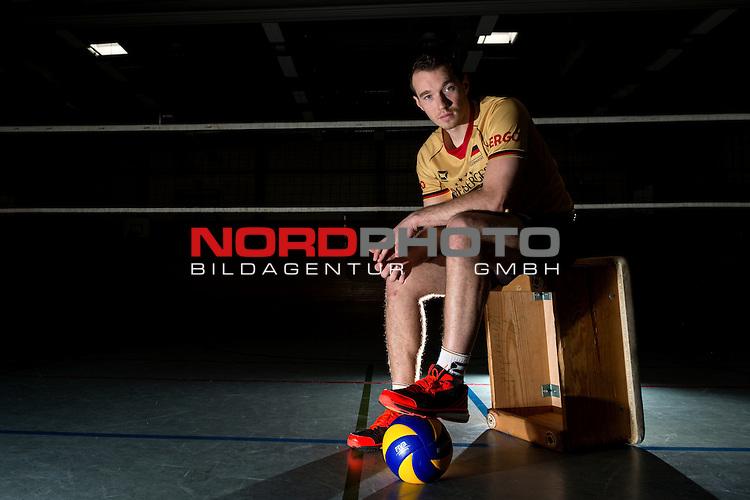 24.05.2015, Sportzentrum Westenfeld, Bochum<br /> Volleyball, Fotoshooting Nationalmannschaft Maenner<br /> <br /> Portrait, Portraet, Portrait Denis Kaliberda (#6 GER) / Out of the box <br /> <br />   Foto &copy; nordphoto / Kurth