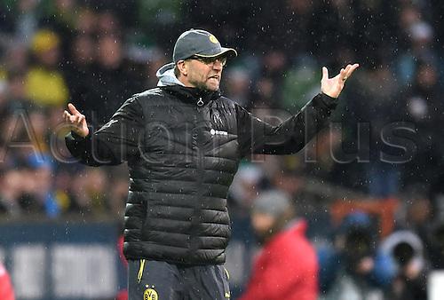 20.12.2014. Bremen, Germany.  Dortmund's trainer Juergen Klopp gestures during the Bundesliga soccer match between Werder Bremen and Borussia Dortmund at the Weserstadion in Bremen