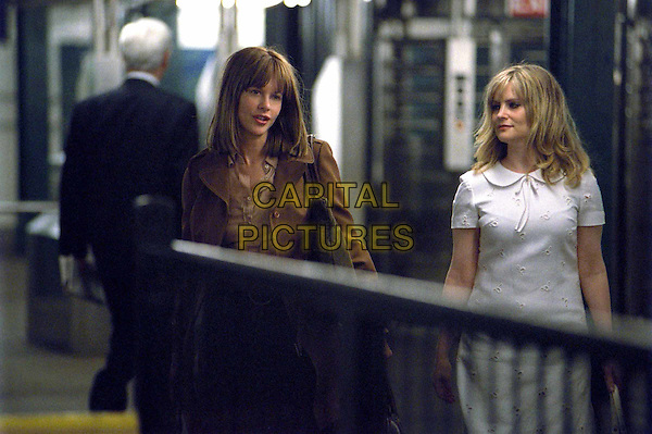 MEG RYAN & JENNIFER JASON LEIGH.in In The Cut.Filmstill - Editorial Use Only.Ref: FB.www.capitalpictures.com.sales@capitalpictures.com.Supplied by Capital Pictures