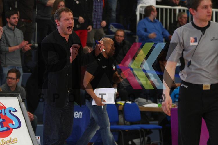 Nuernbergs Coach Ralph Junge ist mit den Schiedsrichtern unzufrieden im Spiel ETB Wohnbau Baskets Essen - rent4office Nuernberg.<br /> <br /> Foto &copy; P-I-X.org *** Foto ist honorarpflichtig! *** Auf Anfrage in hoeherer Qualitaet/Aufloesung Belegexemplar erbeten Veroeffentlichung ausschliesslich fuer journalistisch-publizistische Zwecke For editorial use only