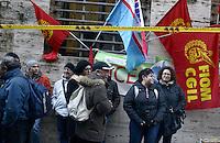 Roma,Via Molise .Ministero dello sviluppo economico.Lavoratori e lavoratrici della Micron Technology Italia di Avezzano (L'Aquila) protestano per salvaguardare 1623 posti di lavoro dello stabilimento che produce semiconduttori di memoria.