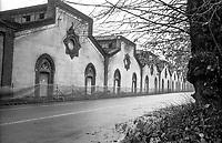 Crespi d'Adda (Bergamo), villaggio operaio di fine '800 nel settore tessile cotoniero. Capannoni della fabbrica --- Crespi d'Adda (Bergamo), workers model village of the late 19th century in the cotton textile production field. Sheds