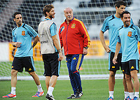 Football - Spain Training - Donbass Arena, Donetsk, Ukraine - 22/6/12..Spain coach Vicente del Bosque (C) with his players during training..Mandatory Credit: Action Images / Henry Browne..Livepic