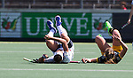 AMSTELVEEN - Val van Leiah Brigitha (A'dam) e   tijdens de finale van de hoofdklasse hockeycompetitie tussen de vrouwen van Amsterdam en Den Bosch . COPYRIGHT KOEN SUYK