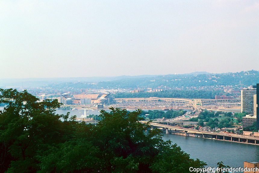 Pittsburgh: Downtown Panorama from the top of the Monongahela Incline. Photo '01.