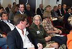 ZANDVOORT - GOLF -Jonathan Smith (l) met Demie Moore, Wageningen University. DTRF (Dutch Turfgrass Research Foundation)  congres. COPYRIGHT KOEN SUYK