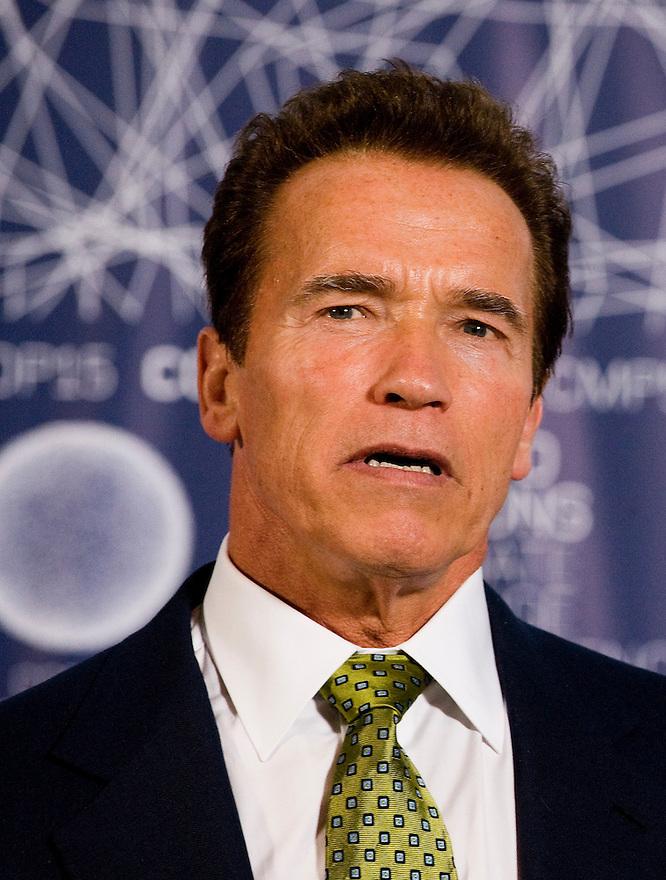 Denemarken, Kopenhagen, 14 dec 2009.COP15, Copenhagen.Persconferentie Arnold Schwarzenegger op de klimaat conferentie. .Foto Michiel Wijnbergh