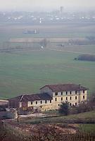- panorama of Conegliano plain with farm and fields....- panorama della piana di Conegliano con campi e casa contadina
