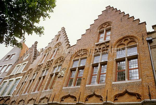 The Huis De Papegaai in the St-Amandsstraat in Bruges (Belgium, 05/2003)