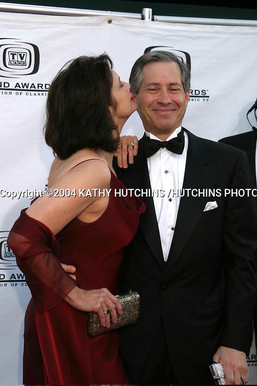 ©2004 KATHY HUTCHINS /HUTCHINS PHOTO.TV LAND AWARDS.HOLLYWOOD, CA.MARCH 7, 2004..LYNDA CARTER.HUSBAND