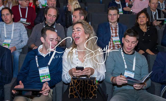 BUSSUM -   Maloes Ollings (Golfvrouw) met Roberto Schuit   Nationaal Golf Congres & Beurs. COPYRIGHT KOEN SUYK