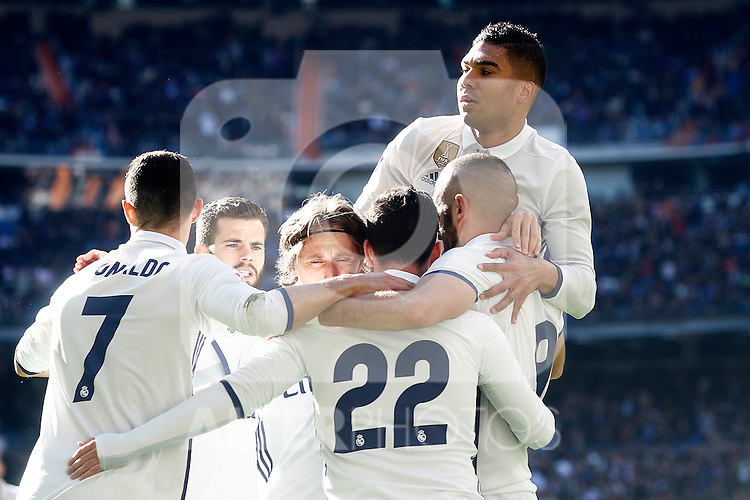 Real Madrid's Cristiano Ronaldo, Nacho Fernandez, Luka Modric, Isco Alarcon, Karim Benzema and Carlos Henrique Casemiro celebrate goal during La Liga match. January 7,2016. (ALTERPHOTOS/Acero)