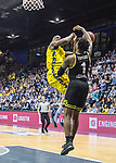 13.04.2019, EWE Arena, Oldenburg, GER, easy Credit-BBL, EWE Baskets Oldenburg vs medi Bayreuth, im Bild<br /> Block gesetzt..<br /> Rickey PAULDING (EWE Baskets Oldenburg #23 ) Adonis THOMAS (medi Bayreuth #1 )<br /> Foto © nordphoto / Rojahn