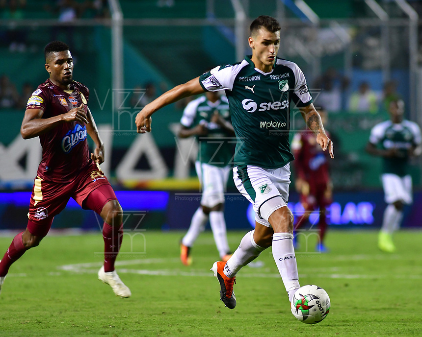 PALMIRA - COLOMBIA, 14-02-2019: Juan Ignacio Dinenno del Cali en acción durante el partido por la fecha 14 de la Liga Águila I 2019 entre Deportivo Cali y Deportes Tolima jugado en el estadio Deportivo Cali de la ciudad de Palmira. / Juan Ignacio Dinenno of Cali in action during match for the date 14 between Deportivo Cali and Deportes Tolima of the Aguila League I 2019 played at Deportivo Cali stadium in Palmira city.  Photo: VizzorImage/ Nelson Rios / Cont