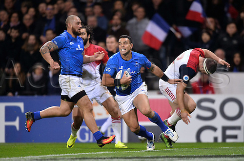 12.11.2016. Stadium Toulouse, Toulouse, France. Autumn International rugby match, France versus Samoa.  Kahn Fotualii (sam) breaks tackles for open field
