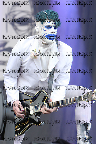 Limp Bizkit - guitarist Wes Borland performing live on the main stage on Day Two of the inaugural Sonisphere Festival held in the grounds of Knebworth House, Knebworth, UK - 02 Aug 2009 - Photo by: Zaine Lewis /IconicPix