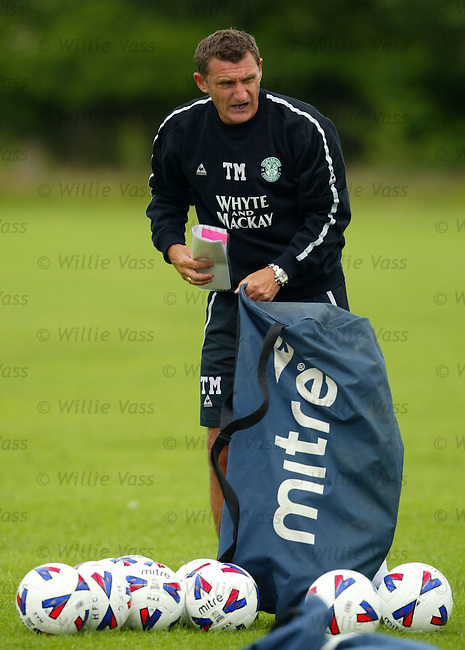 Tony Mowbray, Hibs.stock season 2004-2005.pic willie vass