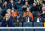 Solna 2014-03-31 Fotboll Allsvenskan AIK - IFK G&ouml;teborg :  <br /> AIK:s Teteh Bangura (mitten) p&aring; l&auml;ktaren innan matchen<br /> (Foto: Kenta J&ouml;nsson) Nyckelord:  AIK Gnaget Solna IFK G&ouml;teborg Bl&aring;vitt portr&auml;tt portrait