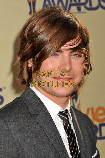 ZAC EFRON.18th Annual MTV Movie Awards - Arrivals held at the Universal Gibson Amphitheater, Universal City, CA, USA..May 31st, 2009.headshot portrait tie grey gray .CAP/ADM/BP.©Byron Purvis/AdMedia/Capital Pictures.