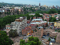 Bäderviertel Abanotubani und Blick auf Metheki, Tiflis – Tbilissi, Georgien, Europa<br />  thermal quarter Abanotuban and historic city Metheki, Tbilisi, Georgia, Europe