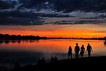 Vue sur la Loire au soleil couchant.