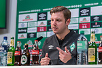 02.11.2019, wohninvest WESERSTADION, Bremen, GER, 1.FBL, Werder Bremen vs SC Freiburg<br /> <br /> DFL REGULATIONS PROHIBIT ANY USE OF PHOTOGRAPHS AS IMAGE SEQUENCES AND/OR QUASI-VIDEO.<br /> <br /> im Bild / picture shows<br /> Florian Kohfeldt (Trainer SV Werder Bremen) bei PK / Pressekonferenz nach Spielende, <br /> <br /> Foto © nordphoto / Ewert