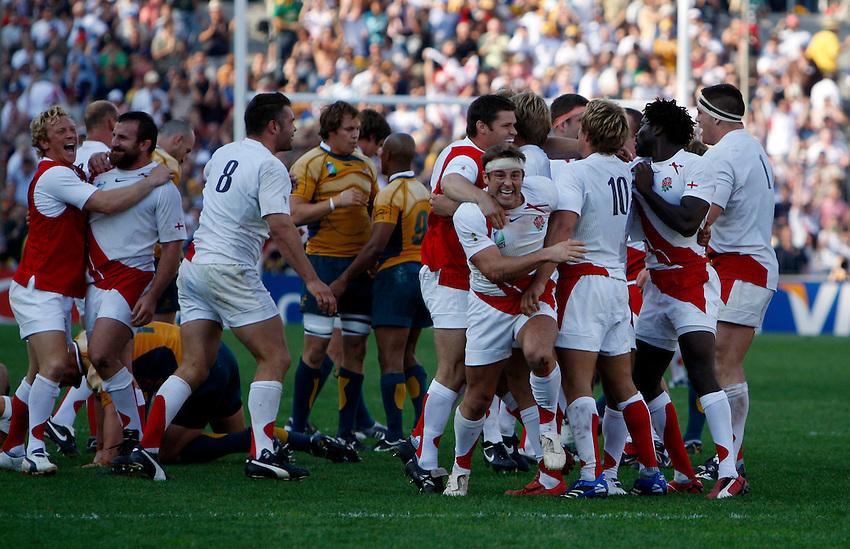 Photo: Richard Lane/Richard Lane Photography..Australia v England. Quarter Final, IRB Rugby World Cup, RWC 2007. 06/10/2007. .England celebrate victory.