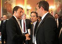 Matteo Renzi in visita Napoli luigi de magistris e stefno caldoro