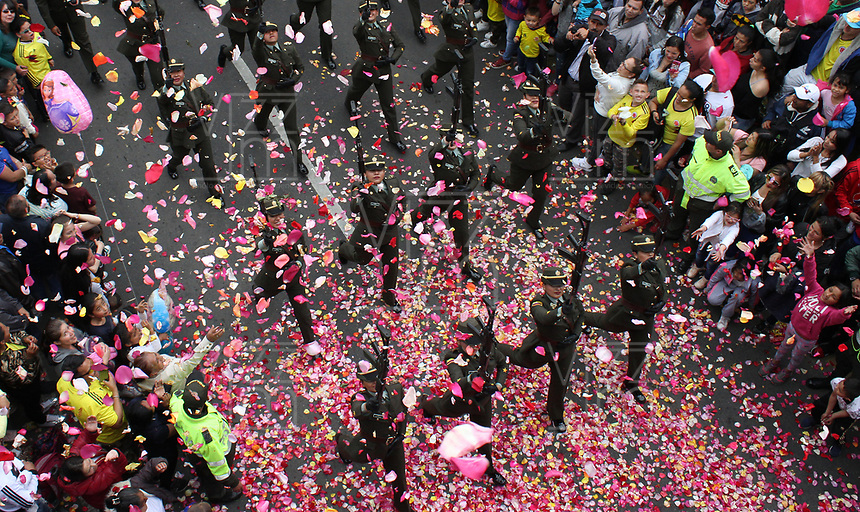 BOGOTÁ - COLOMBIA, 20-07-2018:Policia Nacional .Desfile Militar por la Avenida 68 de la capital , durante el 208 Aniversario del Día de la Independiencia Nacional ./Military Parade through Avenida 68 in the capital, during the 208th Anniversary of National Independence Day. Photo: VizzorImage / Felipe Caicedo / Satff