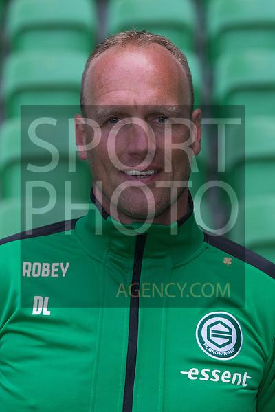 29-06-2015, Presentatiegids, eerste, team, seizoen, 2015-2016, 2015 - 2016, spelerfoto, speler, spelersfoto, assistent-trainer Dick Lukkien of FC Groningen,