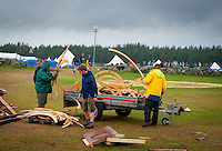 Breakdown the camp. Photo: André Jörg/ Scouterna