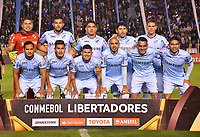 LA PAZ - BOLIVIA, 05-04-2018: Jugadores del Bolívar posan para una foto previo al partido entre Bolívar de Bolivia y Atlético Nacional de Colombia por la fecha 3, Grupo B, de la Copa CONMEBOL Libertadores 2018  jugado en el estadio Hernando Siles de la Ciudad de La Paz. / Players of Bolivar pose to a photo prior the match between Bolívar of  Bolivia and Atletico Nacional of Colombia for the date 3, Group B, of the Copa CONMEBOL Libertadores 2018 played at Hernando Siles stadium in La Paz city. Photo: APG / VizzorImage / Daniel Miranda
