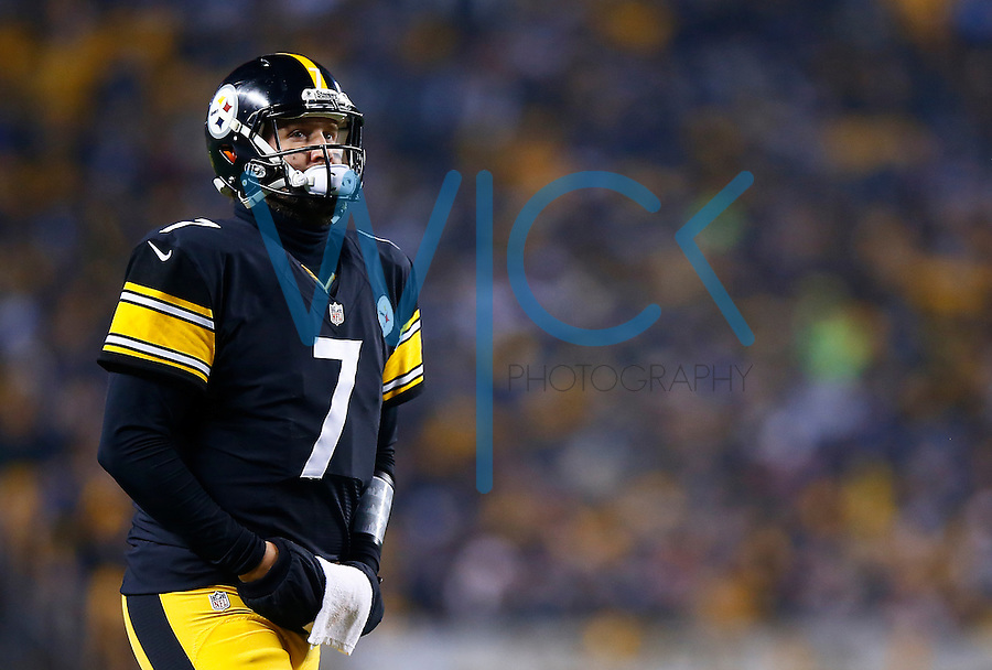 Ben Roethlisberger #7 of the Pittsburgh Steelers in action against the Indianapolis Colts during the game at Heinz Field on December 6, 2015 in Pittsburgh, Pennsylvania. (Photo by Jared Wickerham/DKPittsburghSports)