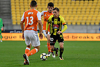 Wellington Phoenix&rsquo; Michael McGlinchey in action during the A League - Wellington Phoenix v Brisbane Roar FC at Westpac Stadium, Wellington, New Zealand on Saturday 28 October.<br /> Photo by Masanori Udagawa. <br /> www.photowellington.photoshelter.com