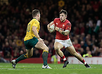 Wales' Steffan Evans under pressure from Australia's Bernard Foley<br /> <br /> Photographer Simon King/CameraSport<br /> <br /> International Rugby Union - 2017 Under Armour Series Autumn Internationals - Wales v Australia - Saturday 11th November 2017 - Principality Stadium - Cardiff<br /> <br /> World Copyright &copy; 2017 CameraSport. All rights reserved. 43 Linden Ave. Countesthorpe. Leicester. England. LE8 5PG - Tel: +44 (0) 116 277 4147 - admin@camerasport.com - www.camerasport.com