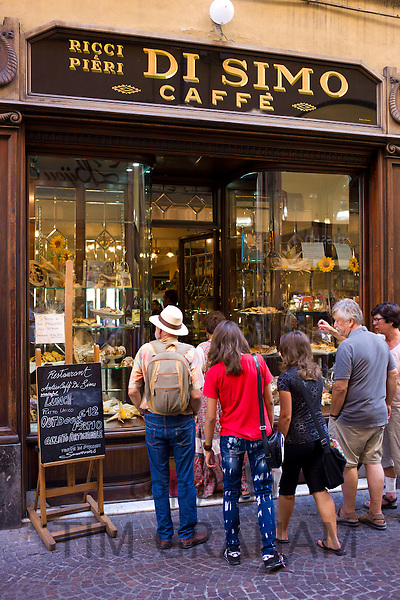 Tourists at Di Simo Caffe in Via Fillungo, Lucca, Italy