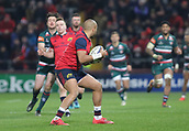 9th December 2017, Thomond Park, Limerick, Ireland; European Rugby Champions Cup, Munster versus Leicester Tigers; Simon Zebo of Munster weighs up his options