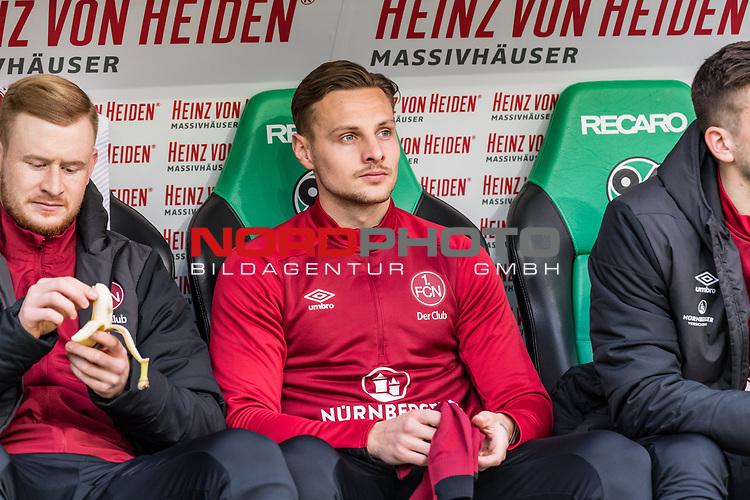09.02.2019, HDI Arena, Hannover, GER, 1.FBL, Hannover 96 vs 1. FC Nuernberg<br /> <br /> DFL REGULATIONS PROHIBIT ANY USE OF PHOTOGRAPHS AS IMAGE SEQUENCES AND/OR QUASI-VIDEO.<br /> <br /> im Bild / picture shows<br /> Ersatzbank 1. FC Nürnberg, <br /> Robert Bauer (Nuernberg #08), <br /> <br /> Foto © nordphoto / Ewert