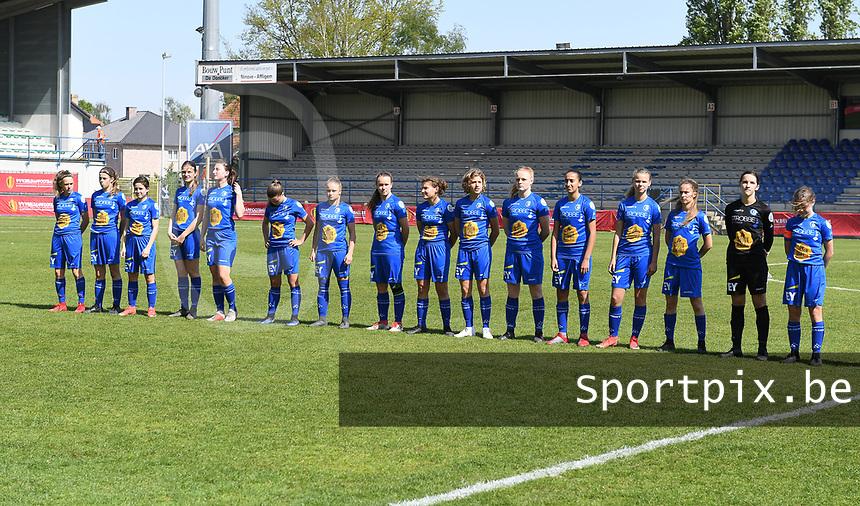 20190422 - Denderleeuw , BELGIUM : Gent's team pictured with Jara De Bauw (87) , Celine Daenens (2) , Fleur Annaert  (6) , Astrid Waeles (13) , Imani Prez (14) , Rania Boutiebi (15) , Lore Jacobs (16) , Alixe Bosteels (17) ,  Nelle Van Parijs (18) , Imme De Meyer (20) ,  Fleur Van Daele (27) , Febe De Roy (28) , Frie Craeymeersch (33) , Caro Lauwers (34) , Lyndsey Van Belle (35) and Judith Verheyen (48) during the Under 16 final of Belgian cup 2019 , a soccer women game between AA Gent Ladies B and The Yellow Flames 1.0  , in the  Van Roystadion in Denderleeuw , Monday 22 th April 2019 . PHOTO SPORTPIX.BE   DAVID CATRY
