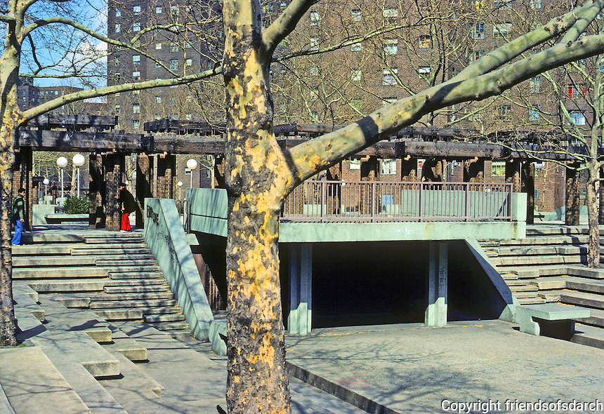 New York City: Riis Plaza,  1966 to 1995. Jacob Riis Houses. Designers M. Paul Friedlander & Simon-Breines. Photo '78.