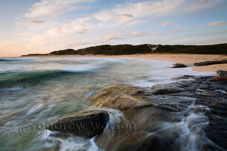Waves roll in at the Margaret River mouth - part of the Leeuwin-Naturaliste National Park.  Margaret River, Western Australia, AUSTRALIA.