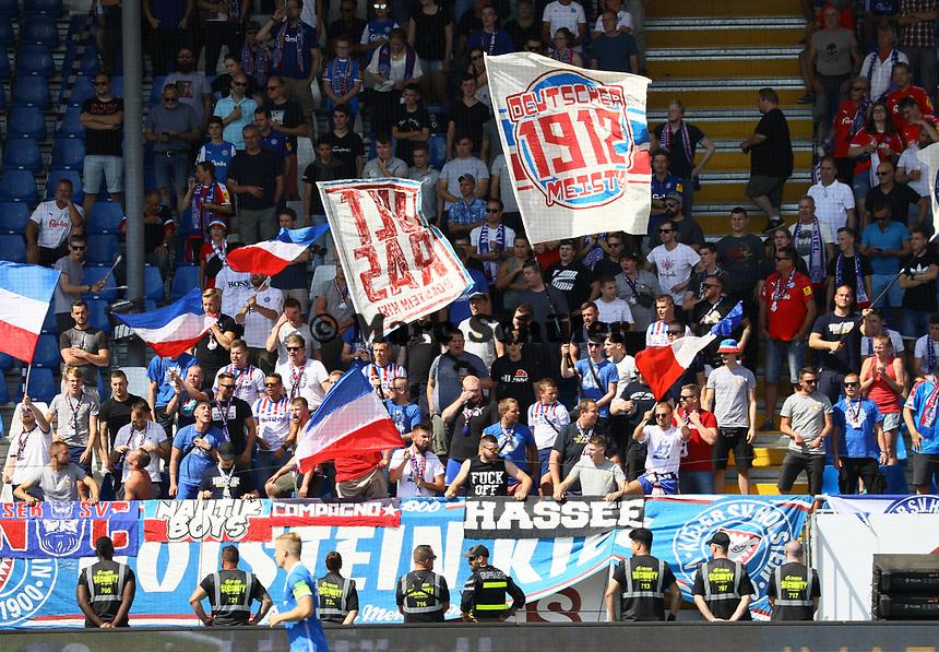 Kieler Fans - 04.08.2019: SV Darmstadt 98 vs. Holstein Kiel, Stadion am Boellenfalltor, 2. Spieltag 2. Bundesliga<br /> DISCLAIMER: <br /> DFL regulations prohibit any use of photographs as image sequences and/or quasi-video.