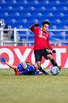 Muangthong Midfielder Chanathip Songkrasin (R) trips up with Ulsan Hyundai Midfielder Han Seunggyu (L) during the AFC Champions League 2017 Group E match between  Ulsan Hyundai FC (KOR) vs Muangthong United (THA) at the Ulsan Munsu Football Stadium on 14 March 2017 in Ulsan, South Korea. Photo by Chung Yan Man / Power Sport Images