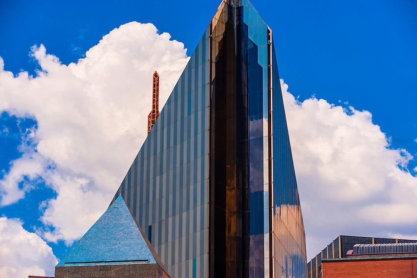 11 Diagonal Street, a unique building in Johannesburg CBD resembling a multi-faceted diamond designed by architect Helmut Jahn, Johannesburg, South Africa.