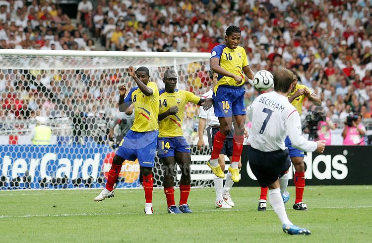 Fussball WM 2006   Achtelfinale   England - Ecuador David BECKHAM (ENG) erzielt per Freistoss sein Tir zum 1:0