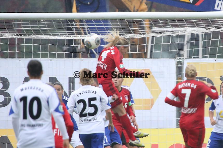 Kopfballchance Kathrin Hendrich Bayer)- 1. FFC Frankfurt vs. Bayer 04 Leverkusen