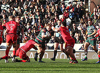 27th October 2019; Welford Road Stadium, Leicester, East Midlands, England; English Premiership Rugby, Tigers versus Saracens; Joe Heyes on the charge for Tigers   - Editorial Use
